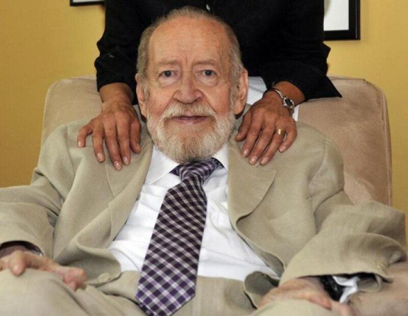 El ganador de los premios Xavier Villaurrutia, Alfonso Reyes y Menéndez Pelayo, destacó por su conocimiento de lenguas clásicas y modernas.