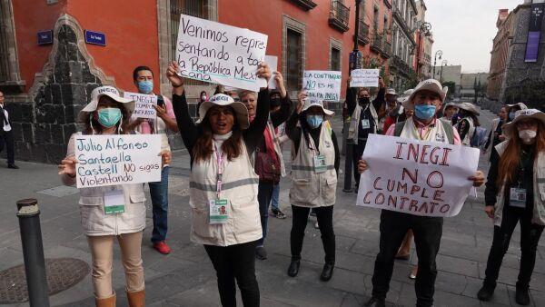 Trabajadores del INEGI se manifestaron por que les rescindieron su contrato de trabajo de manera unilateral