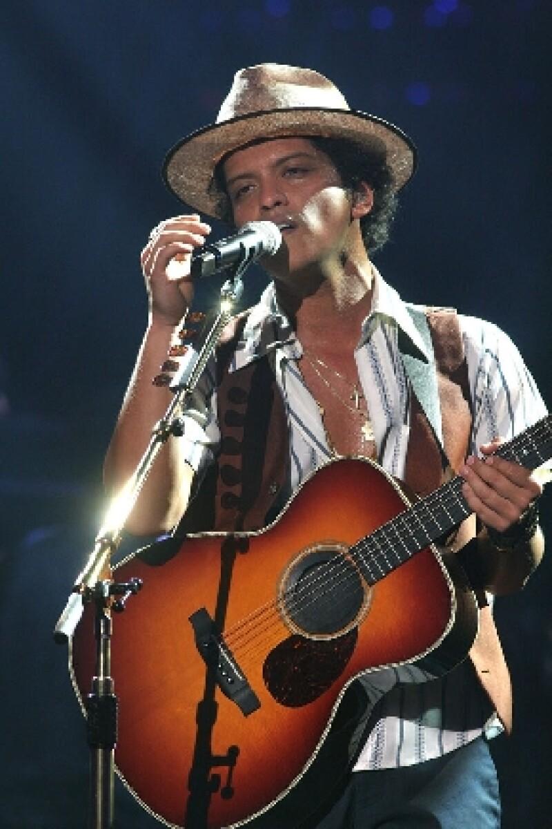 El ganador del Grammy, Bruno Mars, será el artista que se presentará en el medio tiempo del Super Bowl en febrero próximo.