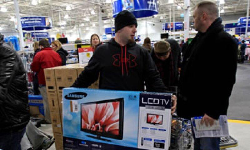 La Federación Nacional de Minoristas de EU espera que 152 millones de clientes lleguen a las tiendas este fin de semana. (Foto: Reuters)