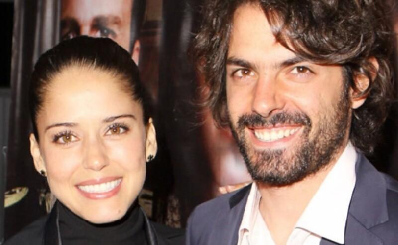 La actriz mexicana dio a entender a los medios de comunicación que hace tiempo se casó con su novio José María de Tavira.