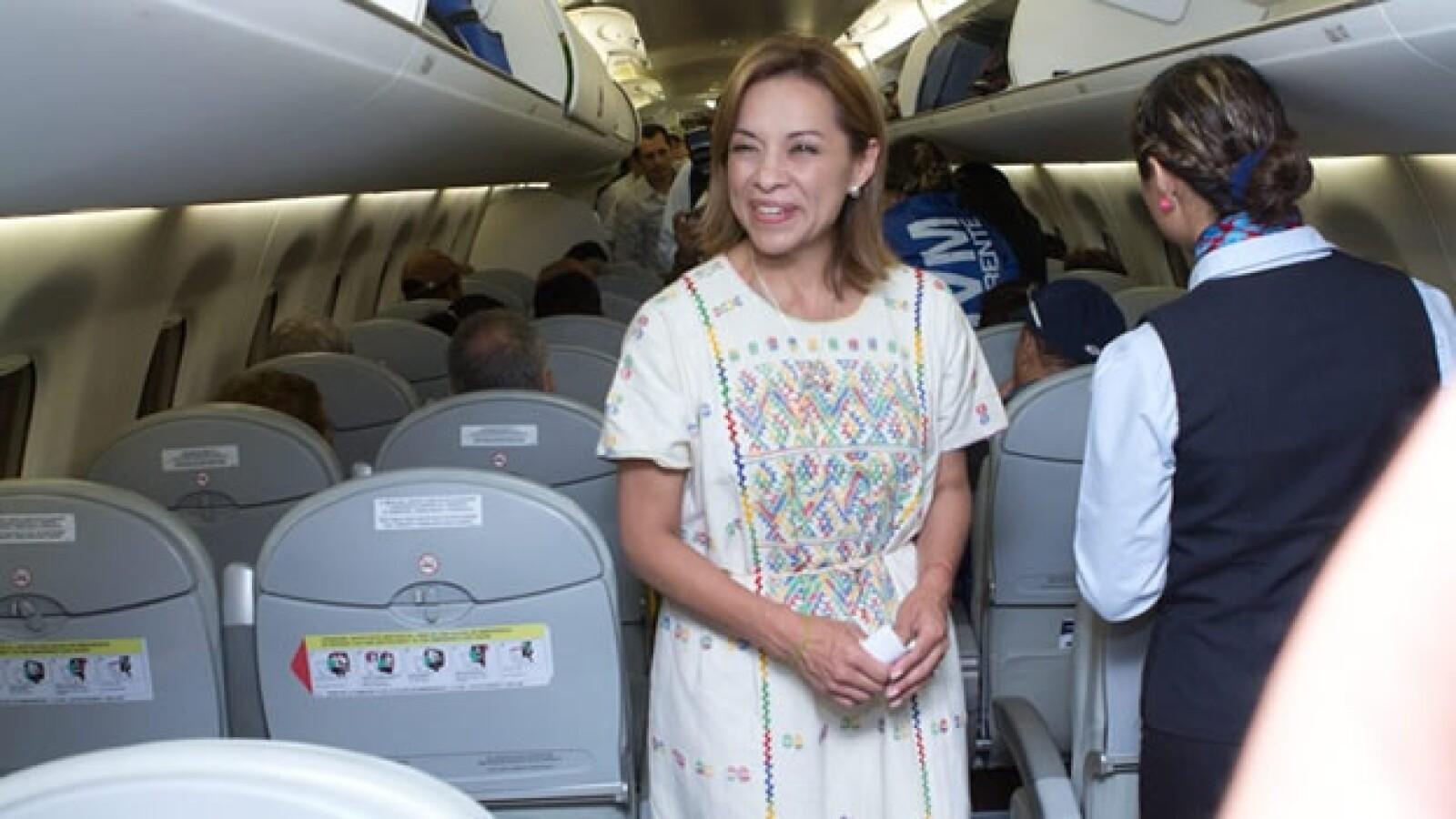 Josefina Vázquez Mota tomó un avion comercial al término de su gira por Guerrero