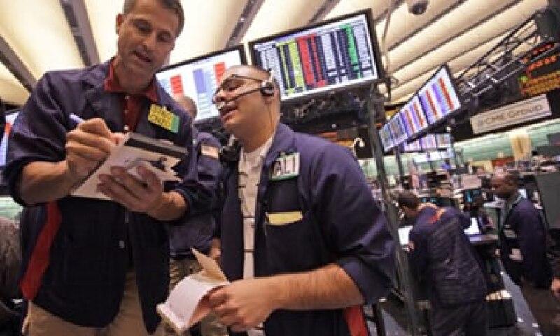 El petróleo limitó su alcance afectado por Wall Street. (Foto: AP)