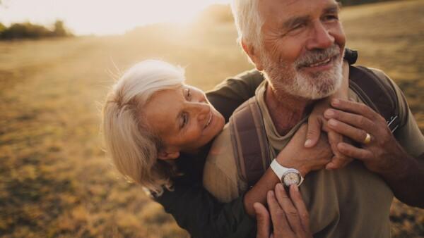 Anciano feliz - ancianos felices