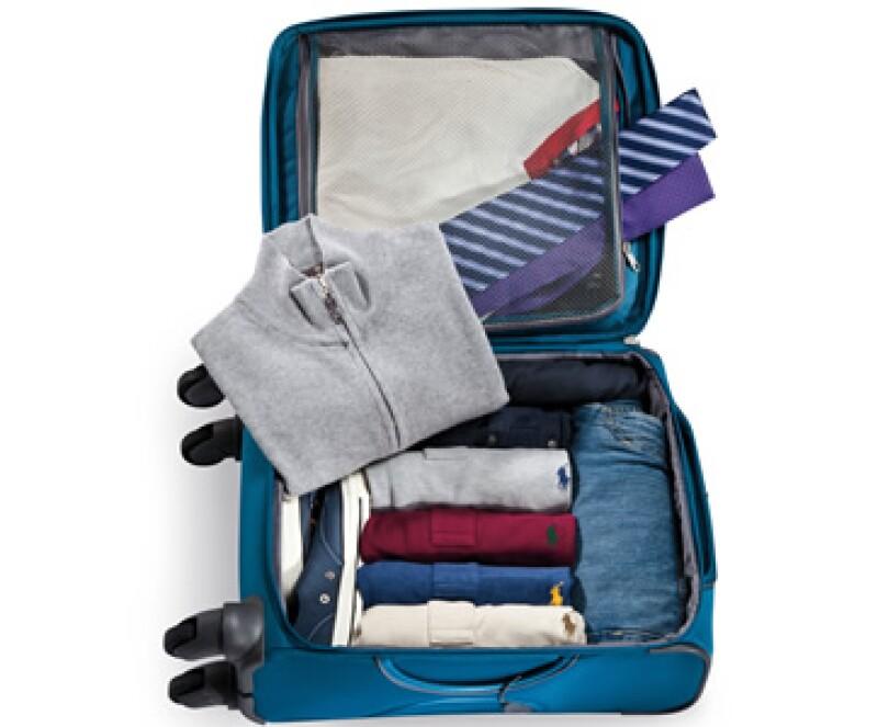La ropa y accesorios para un viaje de negocios pueden pesar menos de 10 kilos. (Foto: Paulina Chávez)