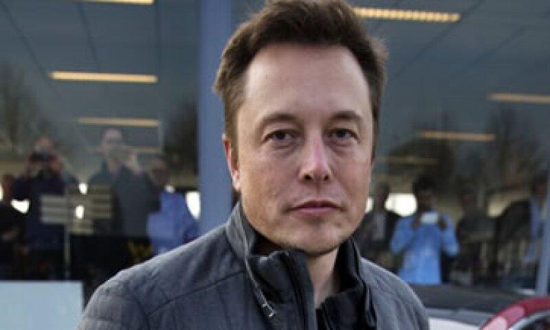 Musk está planeando una mega fábrica de 4,000 millones de dólares.  (Foto: Cortesía CNNMoney)