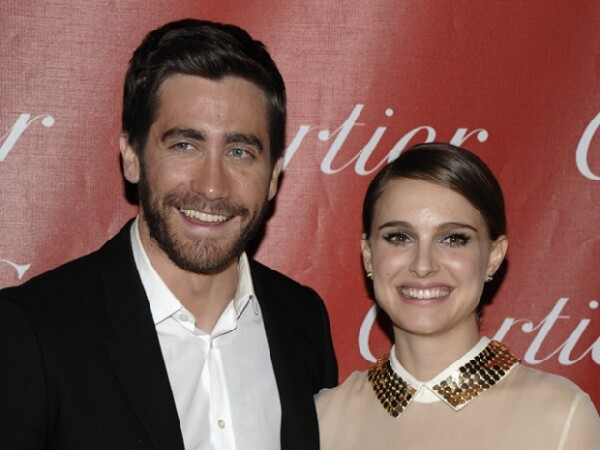 Jake Gyllenhaal y Natalie Portman fueron vistos juntos pero no se confirmó su romance.