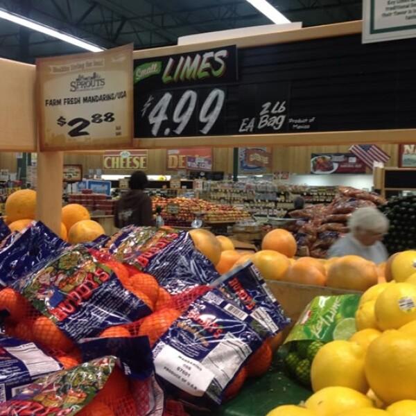 En San Diego, al sur de California, el paquete de 2 libras de limones en Safeway cuesta 4.99 dólares, lo que es un dólar menos que en México