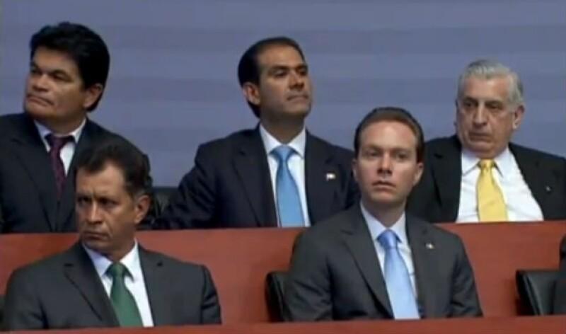 Manuel Velasco fue uno de los asistentes al Informe de Gobierno junto a los demás gobernadores.