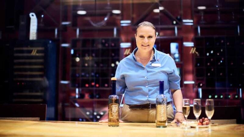 La cata de Tequila es dirigida por la sommelier francesa, Audrey Formisano.