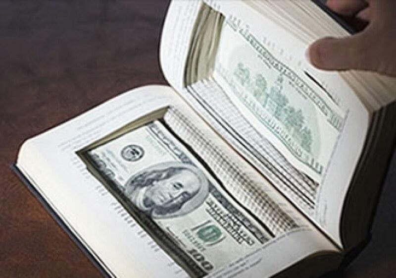 Los escritos también enseñan al lector cómo hacer una buena inversión con su dinero.  (Foto: Cortesía Fortune)