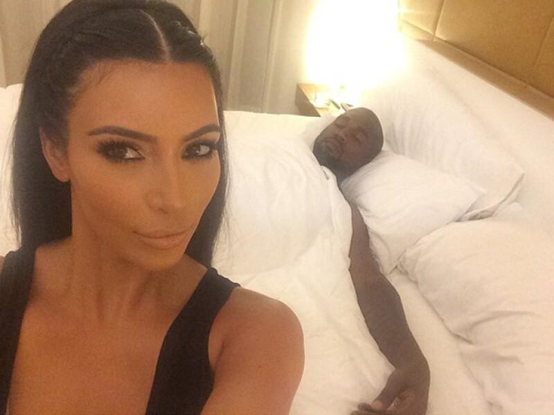 Cuando está relajándose Kim opta algunas veces por hacerse un par de trenzas en el pelo.