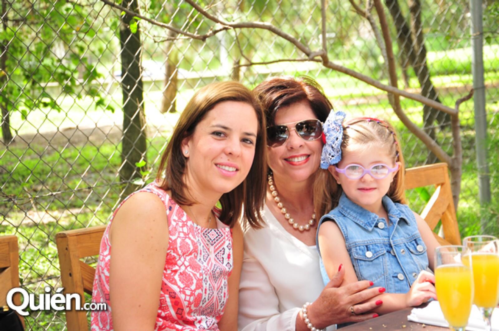 Pilar Vázquez,Pilar Arroyo,Pili Echegollén