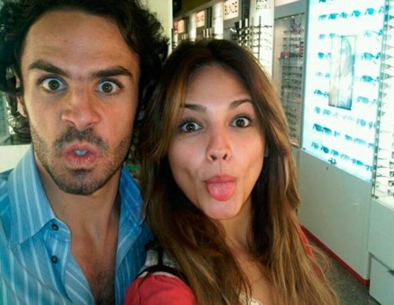 Eiza y Pepe son muy divertidos en sus fotografías.