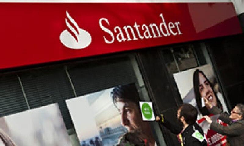 La operación supone valorar las 11 gestoras de Santander Asset Management, que operan fundamentalmente en Europa y América Latina, en 2,047 millones de euros. (Foto: AP)