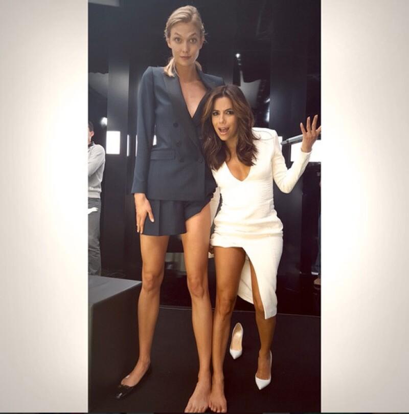 La actriz publicó en Instagram una fotgrafía junto a la modelo en la que se pregunta por qué ella no nació con esas piernas.
