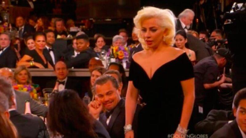 La cantante rozó al actor cuando se dirigía a recoger su premio y él hizo un gesto que se ha viralizado en redes sociales.