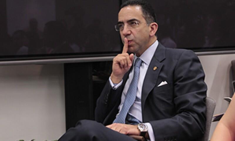 El senador Javier Lozano aparece en la lista del PRD por haber participado en la redacción de la llamada Ley Televisa. (Foto: Cuartoscuro)