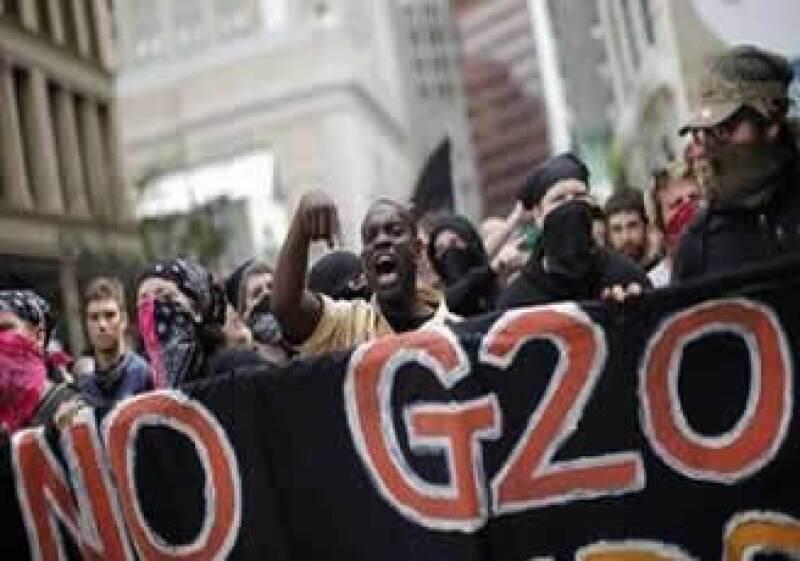 Cientos de manifestantes marcharon contra el Grupo de los 20. (Foto: Reuters)