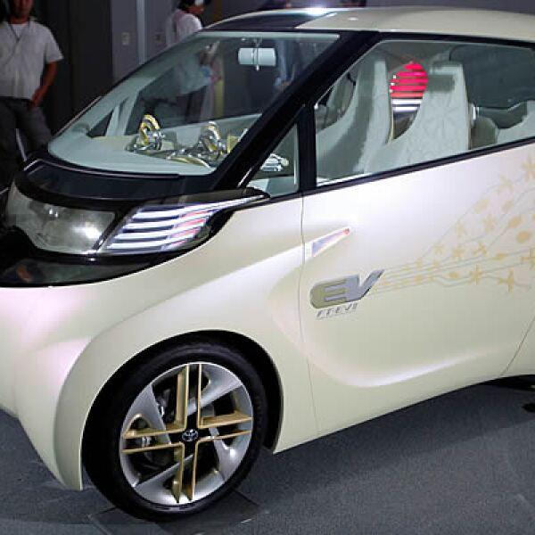 La compañía automotora, Toyota, dio a conocer su modelo FT-EV 11, diseñado para las ciudades, con motor eléctrico y capacidad para 2 personas.