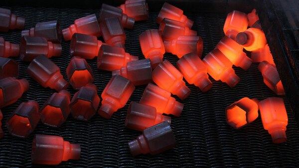 Hornos: El material se somete a temperaturas de 850�C para poder ser trabajado Cortes�a GKN