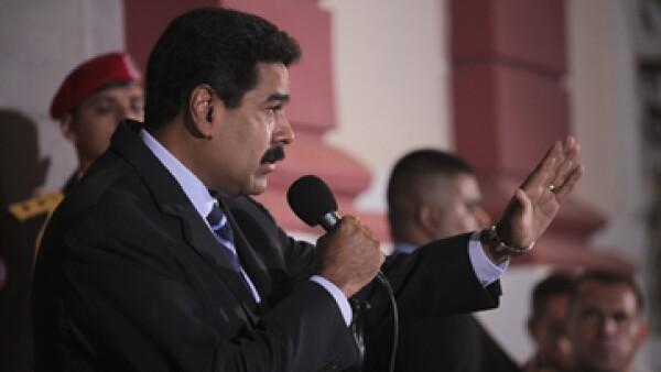 Maduro inició diálogos con políticos y empresarios opositores para calmar la tensión en Venezuela. (Foto: Reuters)