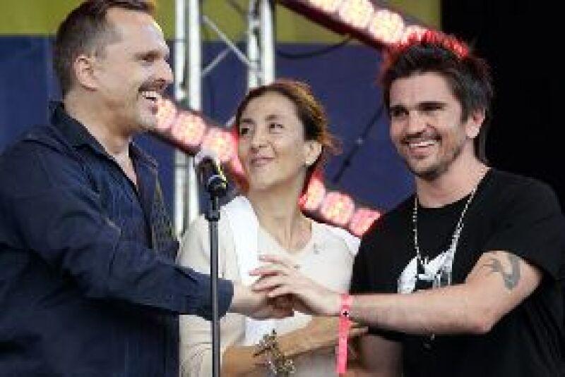 Los cantantes se presentaron en la ciudad de Manizales, Colombia, ante más de 30 mil personas.