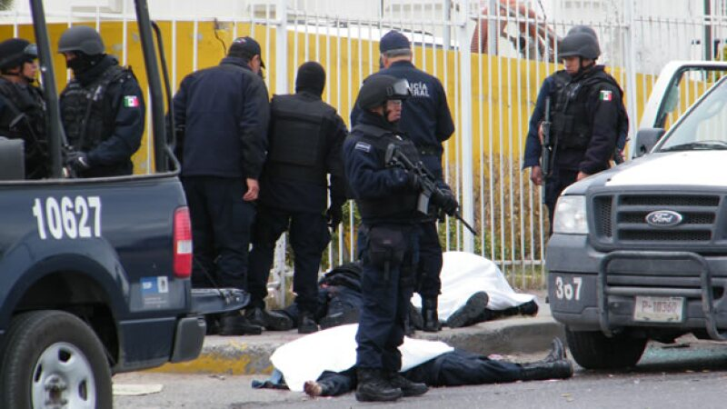 Emboscada de sicarios a policias federales en Juarez