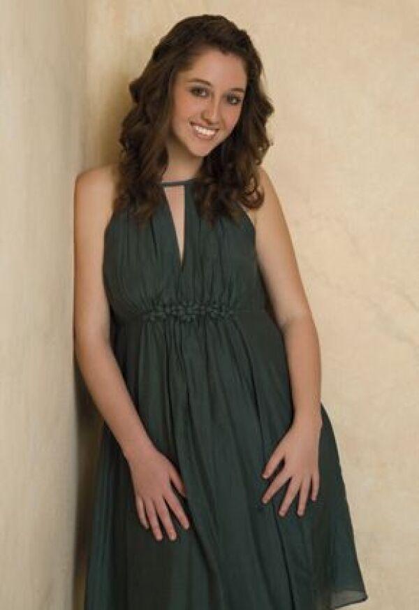 Flor de juventud. Mariana estudia la prepa y es muy aficionada al belly dance.