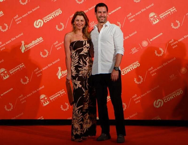 Ludwika Paleta y Emiliano Salinas como siempre de los más guapos en la alfombra roja.