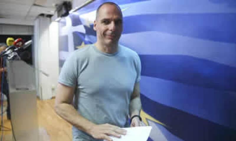 El ministro de finanzas griego, Yanis Varoufakis, durante su mensaje tras referéndum. (Foto: Reuters )