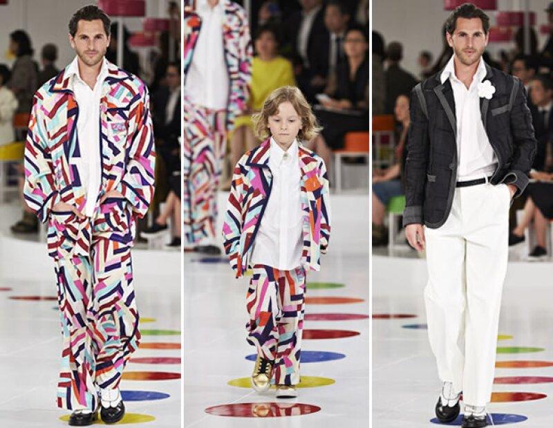 Karl Lagerfeld también presentó piezas para hombre y no pudo faltar el pequeño Hudson Kroenig que modeló dos looks.