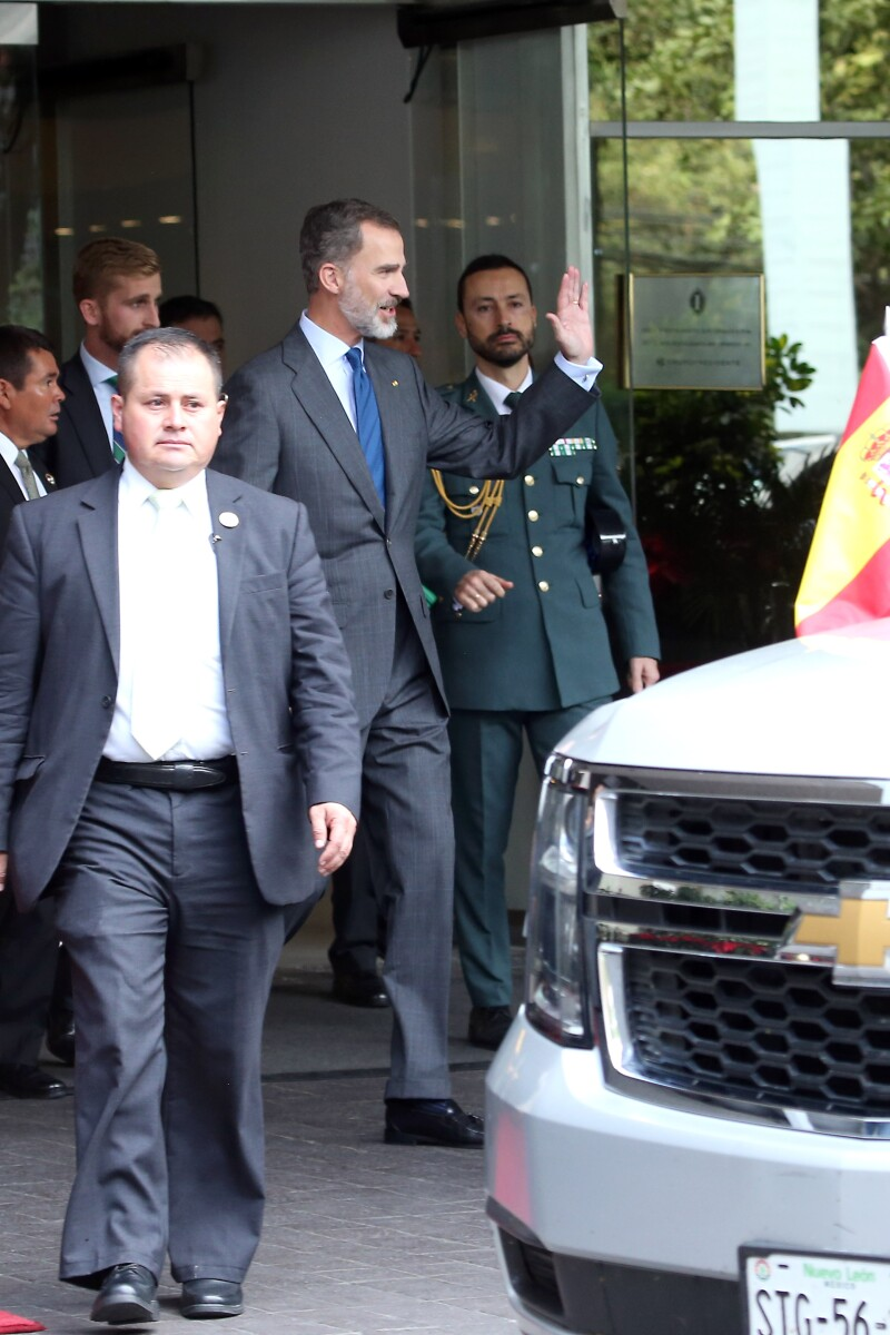 Rey-Felipe-España-sale-de-su-hotel-Polanco-México.jpg