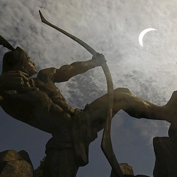 Poco a poco, la Luna cubrió al astro rey dejando la penumbra como testigo de su victoria.