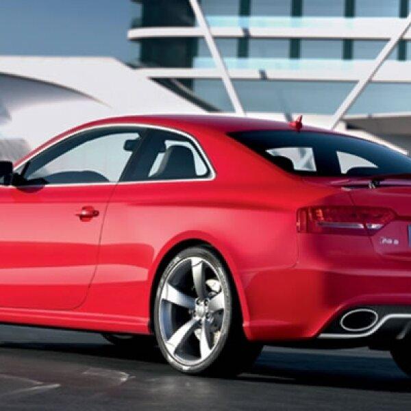 El nuevo coupé deportivo de la firma alemana, saldrá a la venta en unos meses y se lanzará al mercado con un valor estimado de 77,000 euros.