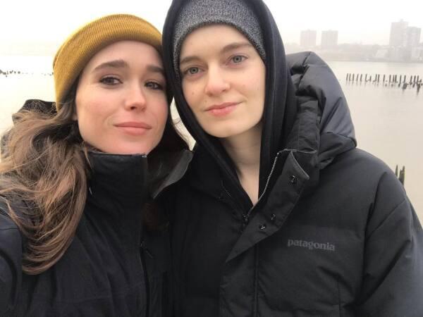 Elliot Page y Emma Portner.