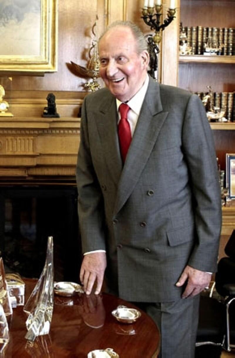 Le fue obsequiado en 1979 como un regalo de empresarios, sin embargo ha decidido donarlo como Patrimonio Nacional, lo cual quiere decir que se volverá propiedad del Estado español.