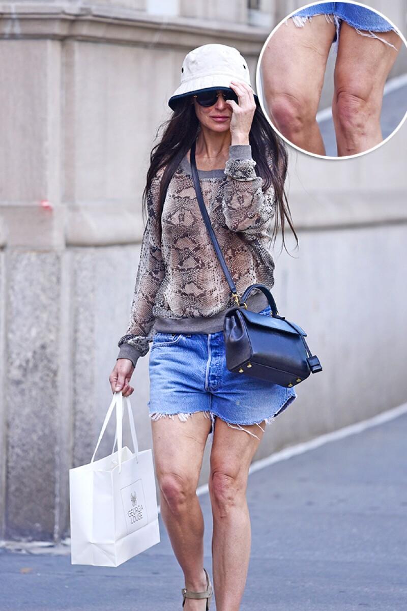 Luego de ser vista luciendo su cara envejecida, la actriz fue captada con unos mini shorts que evidenciaron que sus piernas también tienen un aspecto muy distinto a como las vemos en las red carpets.