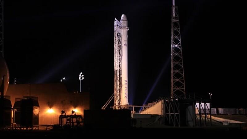 espace x falcon 9, drago, capsula, estacion espacial