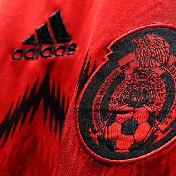 """La Federación Mexicana de Futbol aseguró que la vestimenta reinterpreta """"jerseys clásicos del equipo nacional en la historia de los mundiales. Desde el primero que fue utilizado en una Copa del Mundo, en Uruguay 1930, hasta Suecia 1958, el último mundial"""