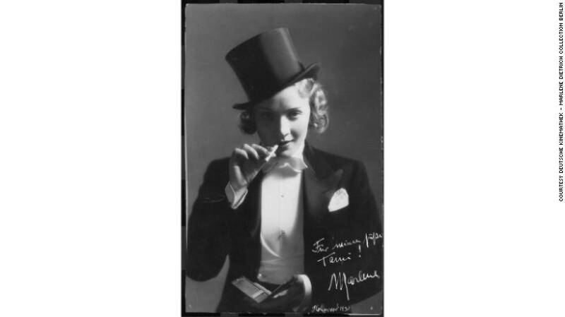 Marlene Dietrich en una foto promocional de 'Marruecos' (1930)
