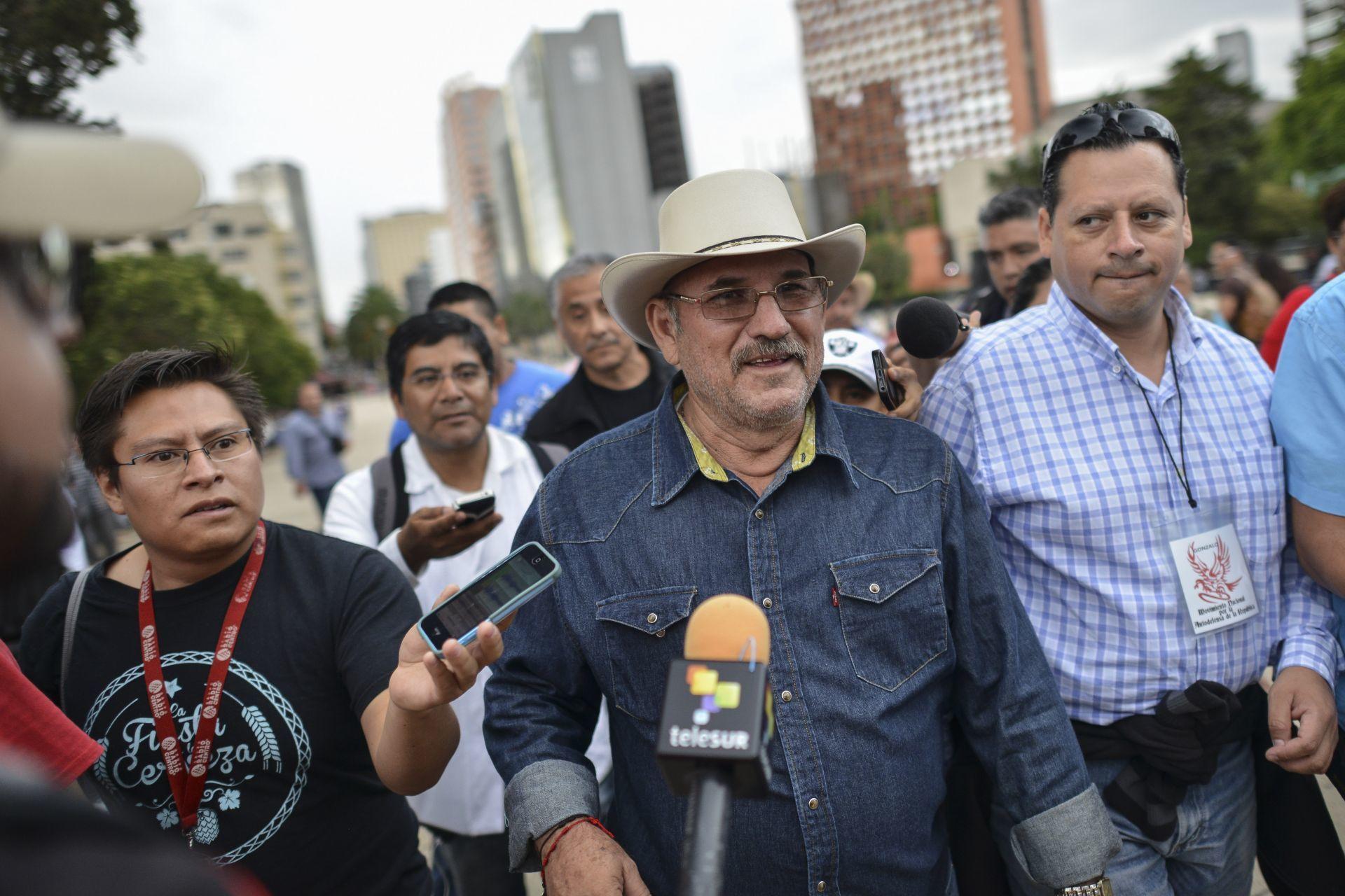 """Hipólito Mora: """"Si los michoacanos me respaldan, le entro a ser candidato"""""""
